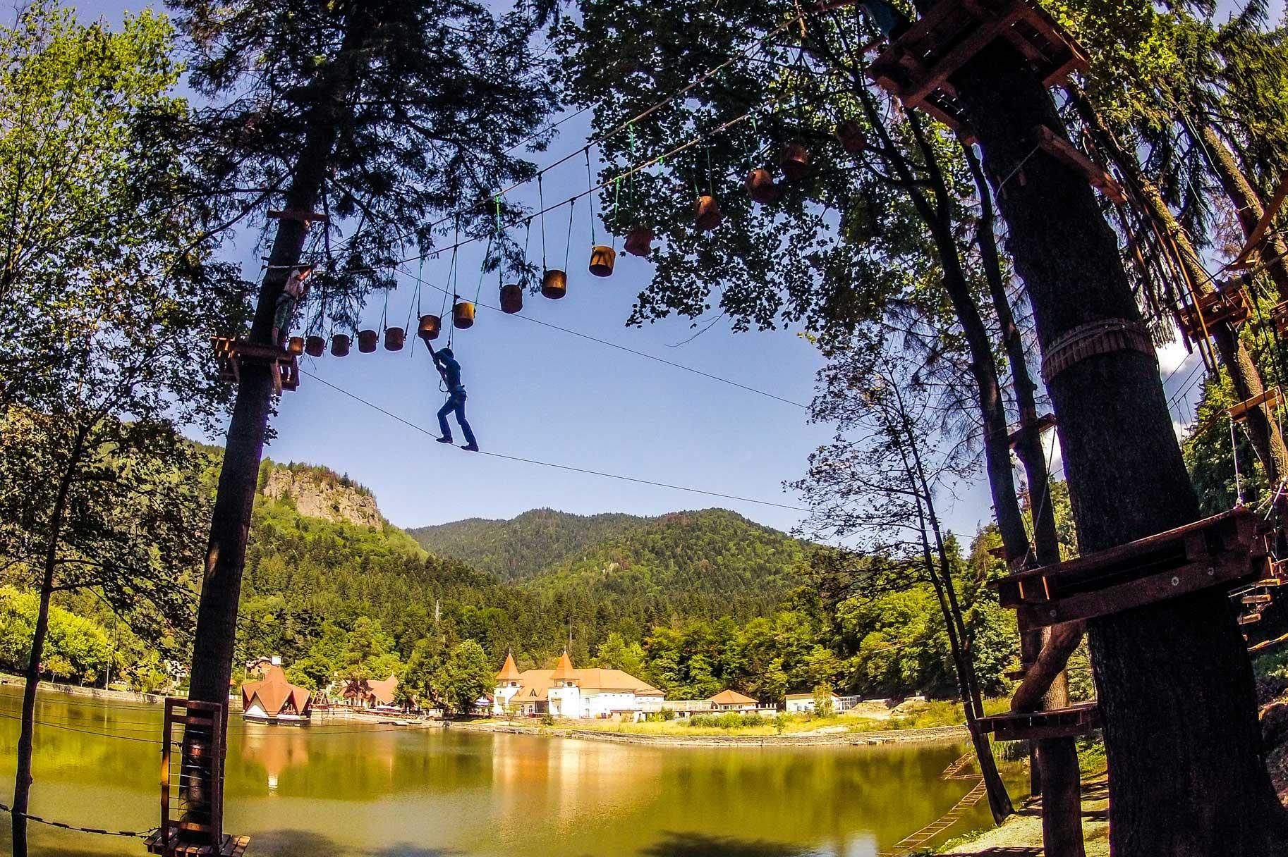 Parc Aventură Băile Tuşnad - traseu peste lac